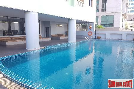 Deluxe Three Bedroom, Four Bath Condominiums for Sale in Thong Lo, Bangkok