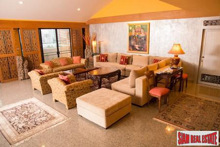 Elegant Top Floor Living in this Spacious 3-5 Bedroom Penthouse at Sukhumit Soi 36
