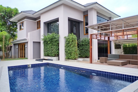 Lavish Three Bedroom Pool Residence in Town, Chiang Mai
