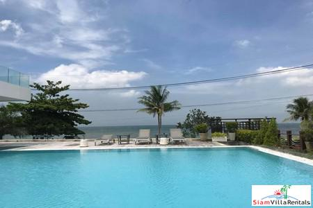 Modern Three-Bedroom Beachfront House in Banglamung Pattaya