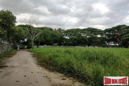 4 Rai of Flat Land next to Expressway Soi Pridi area, Phra Kanong