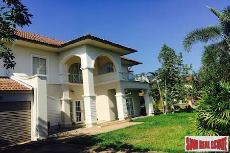 Five Bedroom with Large Garden Priced to Sell in Nong Khwai, Chiang Mai