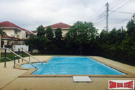 House with Pool and Large Lot Priced to Sell in San Kamphang, Chiang Mai