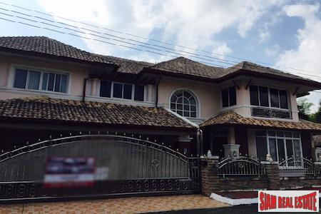Five Bedroom Home Beautifully Decorated with Thai Style Wood in Tha Sala, Chiang Mai
