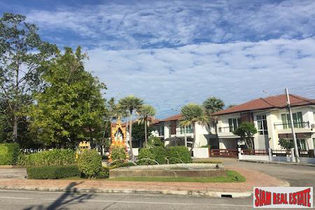 Cozy Two Bedroom House for Sale Near Chiang Mai University