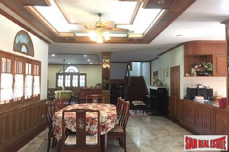 Expansive Eight Bedroom Opposite Lanna 2
