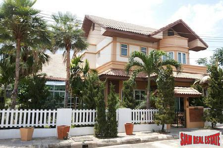 Large Four Bedroom Traditional Home 2