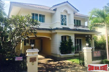 Elegant Three Bedroom Home for Sale in Quiet Development, Chiang Mai