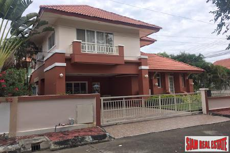 Three Bedroom with Golf Course Location in Hang Dong, Chiang Mai