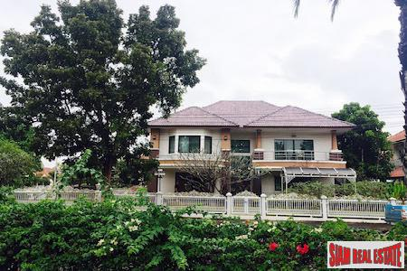 Large and Unique Five Bedroom Home in Hang Dong, Chiang Mai