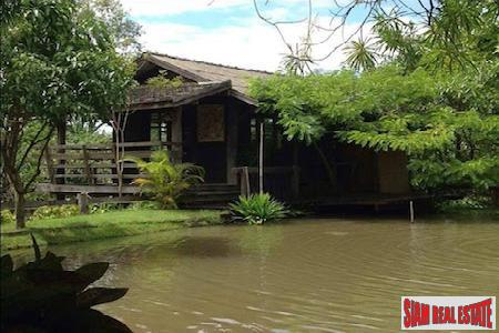 Thai Style Resort on Four Rai in Don Kaeo, Chiang Mai