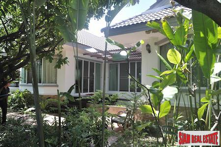 Charming Three Bedroom Near the Airport in Suthep, Chiang Mai