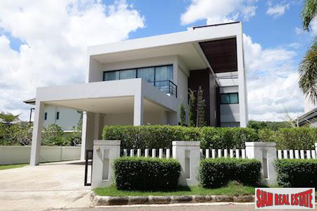 Modern Luxury House with Lake View in Nam Phrae, Chiang Mai