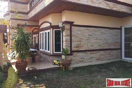 Centrally Located Furnished Six Bedroom 12