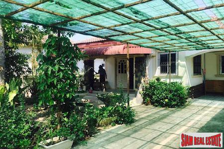 Thai Style House in Quiet 3