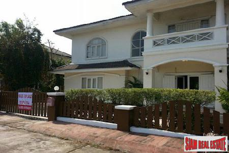 Five Bedroom Family Home in San Sai Noi, Chiang Mai