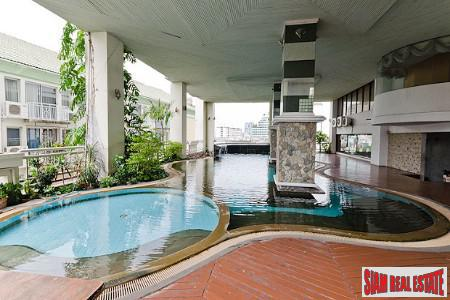 Two Bedroom Corner Unit with Three Balconies in Thonglor, Bangkok