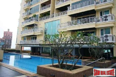 Elegant Three Bedroom Condo at Sukhumvit 22