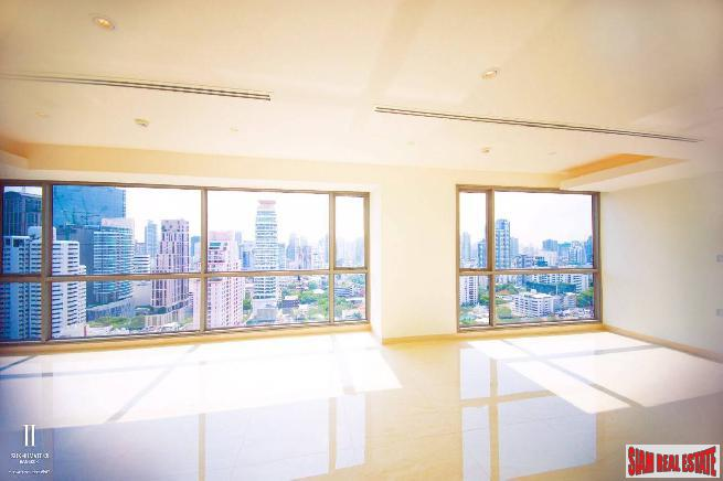 Luxurious and Spacious Four Bedroom Deluxe Duplex Penthouse with City Views near Sukhumvit 43, Bangkok