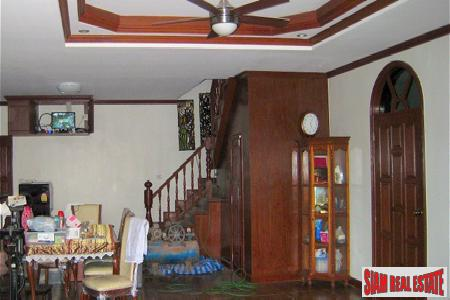 Traditional Thai Style Home with 6