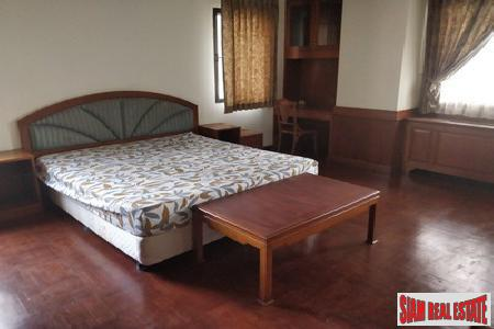Classic Two Bedroom on Sukhumvit 15