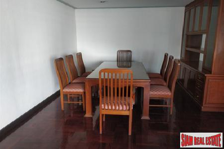 Classic Two Bedroom on Sukhumvit 16