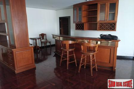 Classic Two Bedroom on Sukhumvit 5