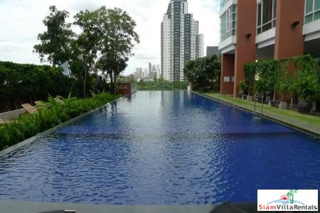 Contemporary Two Bedroom + Office Near Ekkamai, Bangkok