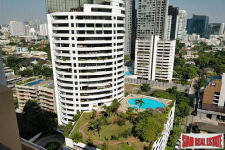 Moon Tower |Spacious Two Bedroom Condo on Sukhumvit 59, BTS Thong Lor