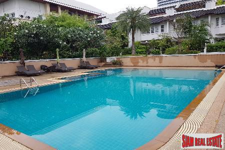 Extra Large Four Storey Family House for Sale at Soi Sukhumvit 31