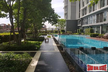 Ideo Mobi Sukhumvit  | Comfortable Living in this Two Bedroom Duplex by On Nut