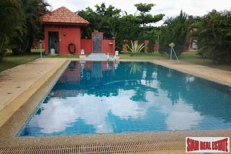 Country Style Three Bedroom in Mae Rim with Large Yard and Pool, Chiang Mai