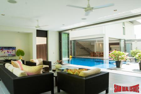 Exclusive Pool Villa Estate in 14