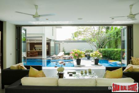 Exclusive Pool Villa Estate in 15