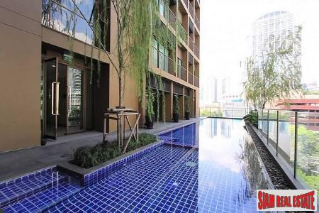 Deluxe One Bedroom For Rent  on Sukhumvit 26 Alley