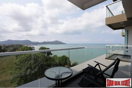 1BR Beachfront Condominium with Direct Seaview- Bangsaray Pattaya