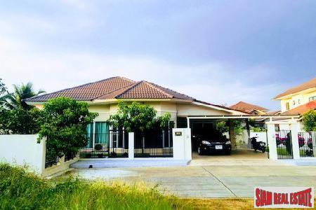 Charming Two Bedroom Near Central Festival in San Phranet, Chiang Mai