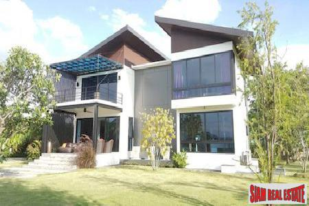 Three Bedroom House Surrounded by Rice Fields in Pa Pong, Chiang Mai