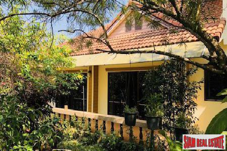 Private and Quite Three Bedroom in San Sai Noi, Chiang Mai