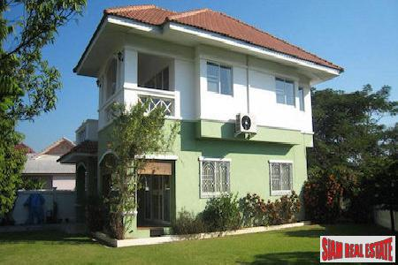 Large Two Story House with Nice Garden in Mae Hia, Chiang Mai
