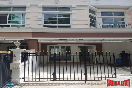 Large Three Bedroom Townhouse for Rent in a Private Estate, Phra Khanong, Bangkok
