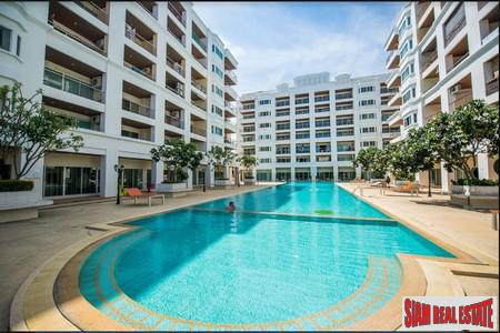Perfect Big 1 Bed 62 sq.m. with 3 balconies Condo for Sale - Prime Location on Thepprasit Road