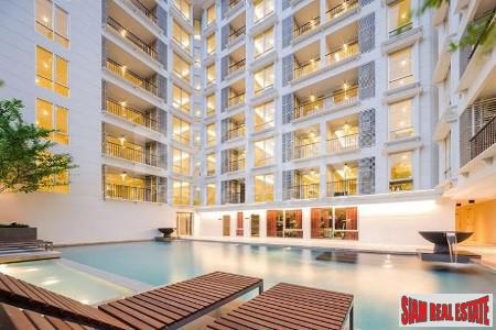 Maestro 39 Residence | Ground Floor Furnished Two Bedroom with Private Garden on Sukhumvit 39