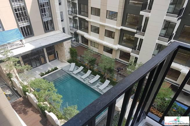 Conveniently Located One Bedroom with Swimming Pool View on Sukhumvit 22