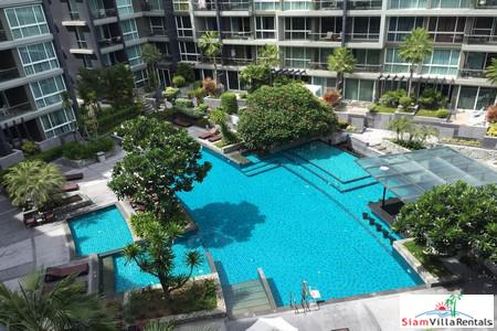 Best value 1 bedroom condo in The Heart of Pattaya, modern and secure, 2 min walk to shops, central Pattaya