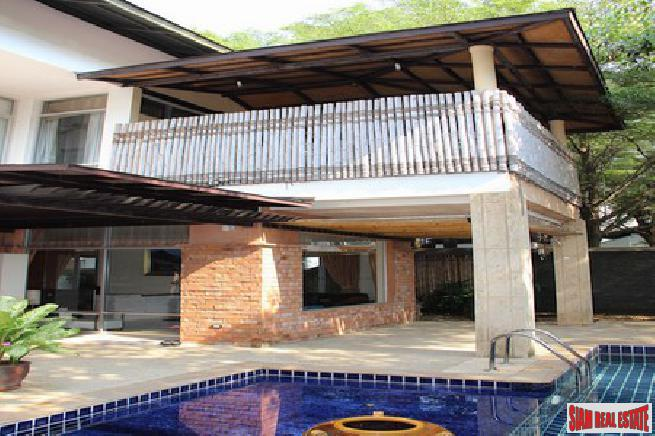 Pool Villa near the beach for Sale in Na Jomtien Pattaya