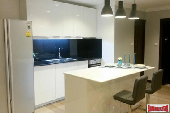 Richmond Palace | Three Bedroom Condo on the 11th floor on Sukhumvit 43, Bangkok