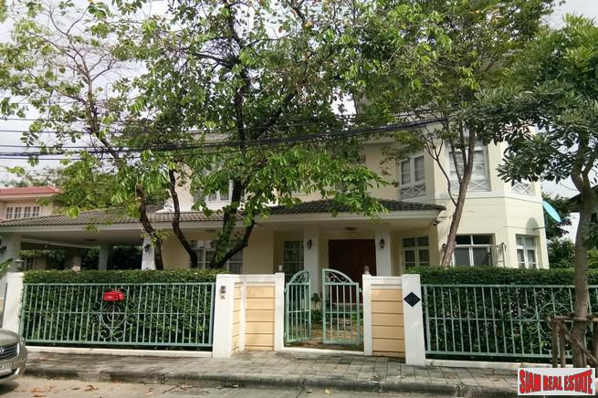 Well Maintained Two Storey, Four Bedroom House for Sale in Lat Phrao