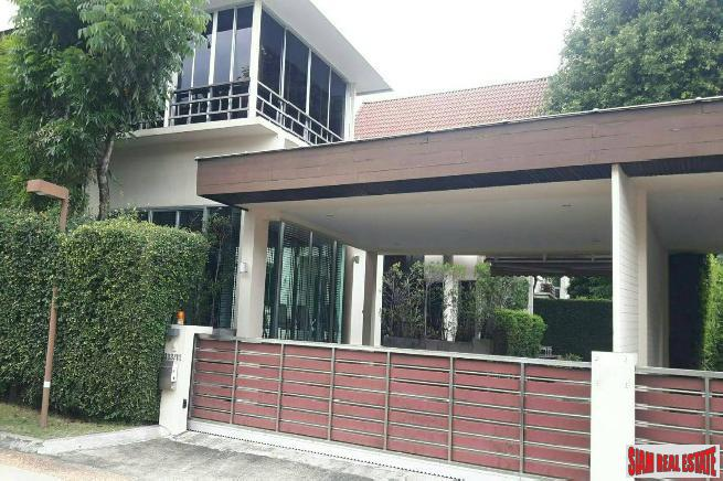 Five Bedroom with Private Swimming Pool in Prawet, Bangkok