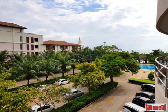 Spacious Studio Condominium For Sale - South Pattaya